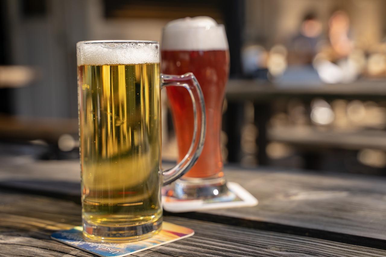 beer, beer garden, drink-4145976.jpg